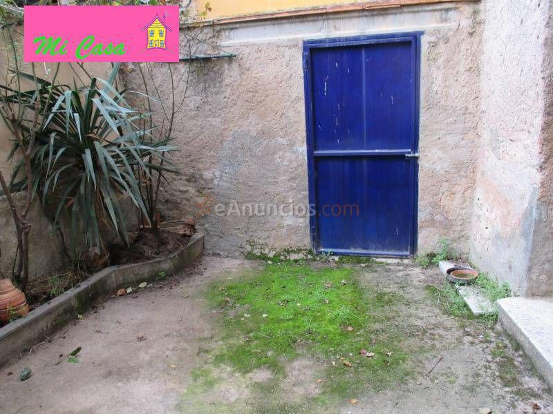 Casa de pueblo con seis habitaciones 1529149 for Barbacoa patio interior