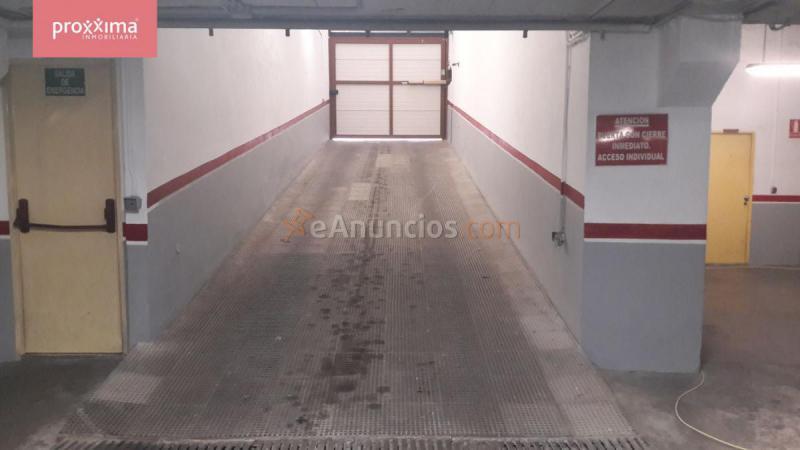 Plaza aparcamiento en sevilla este 1534092 for Plaza de aparcamiento